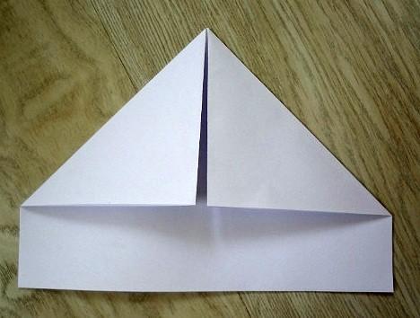 korablik7 Кораблик из бумаги. Как сделать кораблик из бумаги — пошаговая инструкция с фото