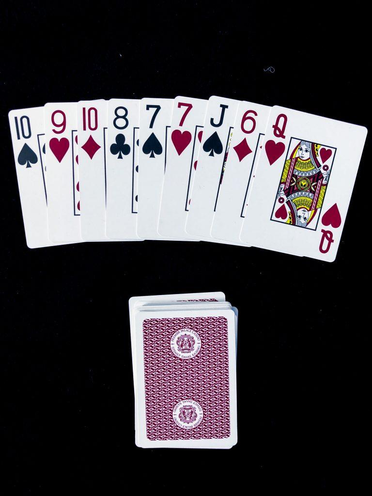 Бысттрое гадание на игральных картах