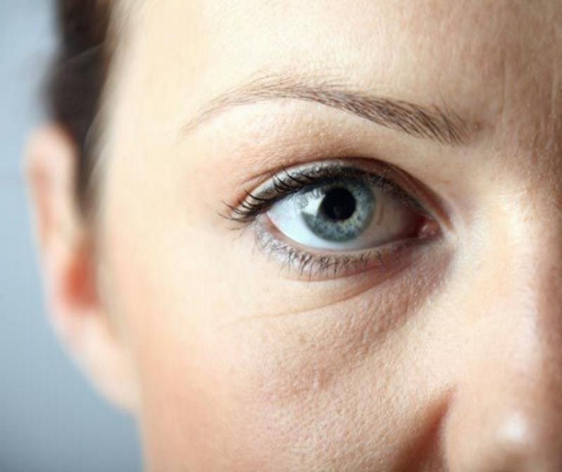 Опухло веко над глазом и болит: что делать, причины и лечение
