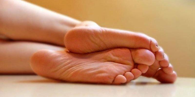 Трещины на пятках причины лечение в домашних условиях
