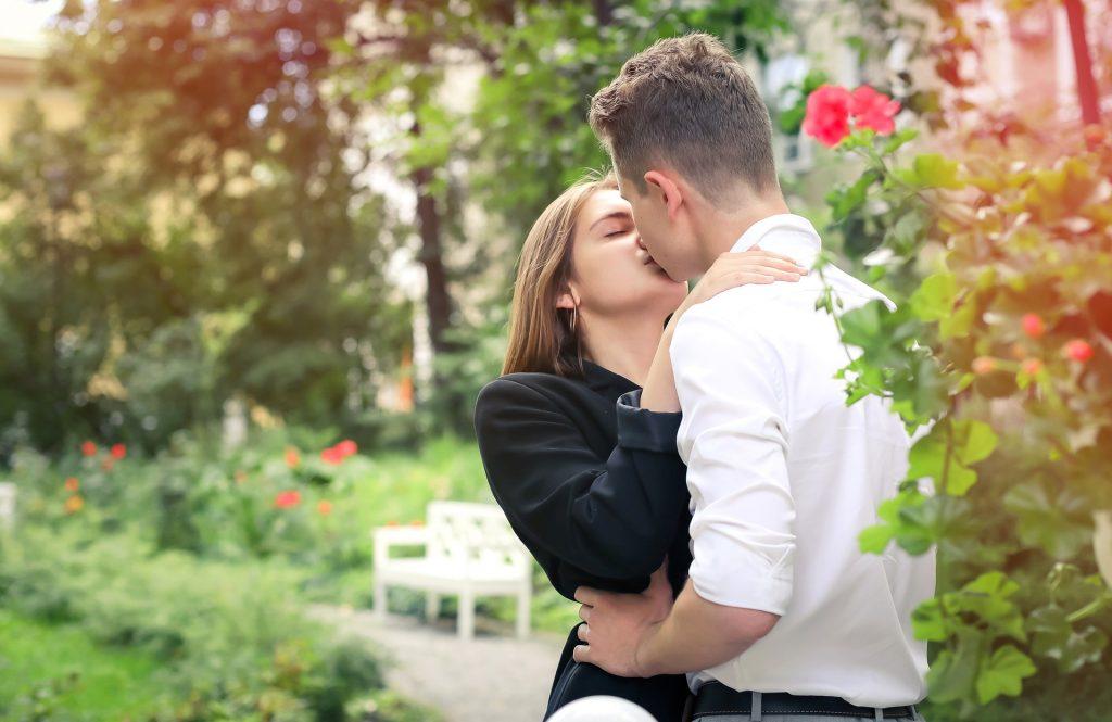 как целоваться